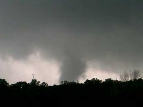 This is a view of the tornado a few miles before it grew to an EF-4 as it moved into Missouri.