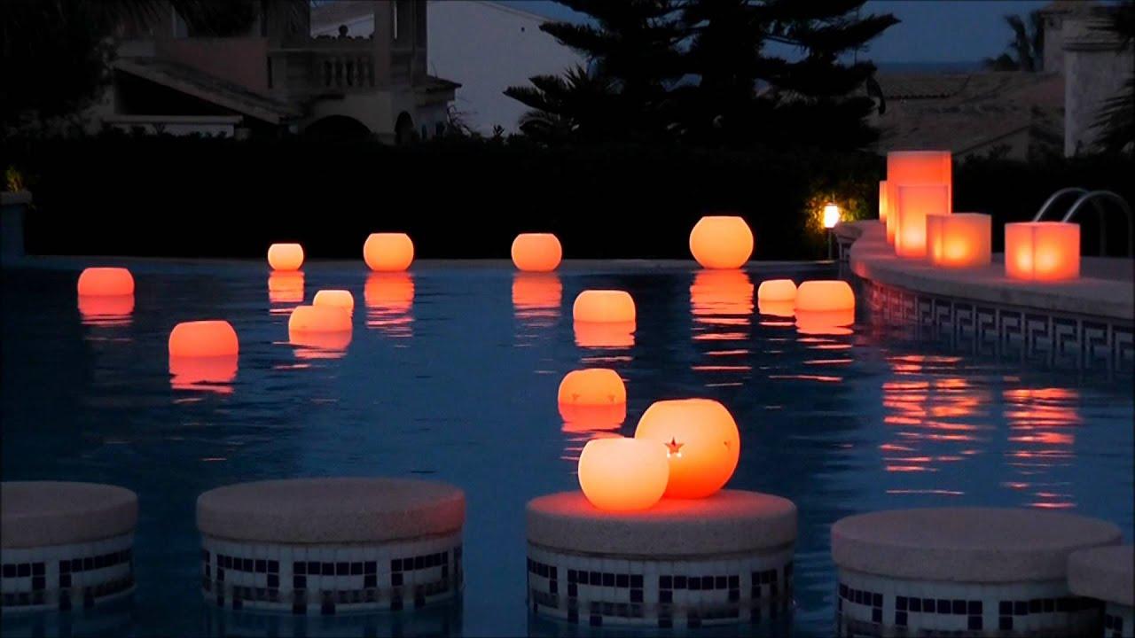 Velas flotantes globo led youtube for Velas flotantes piscina