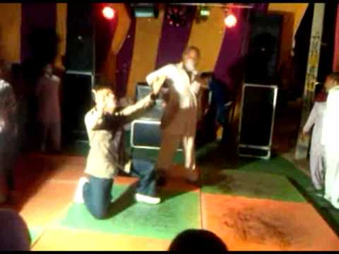 Do Ghoot Pila De - Hilarious Dance video