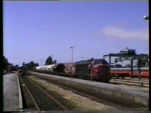 Lollandsbanens Y-tog og M35 +Mz1450 . Nakskov st 18/7.1990