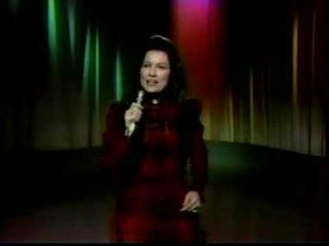 Loretta Lynn - What Makes Me Tick