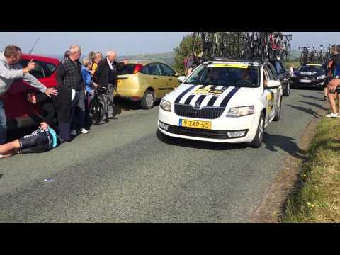 Mark Cavendish crash Tour of Britain 2015 stage 6