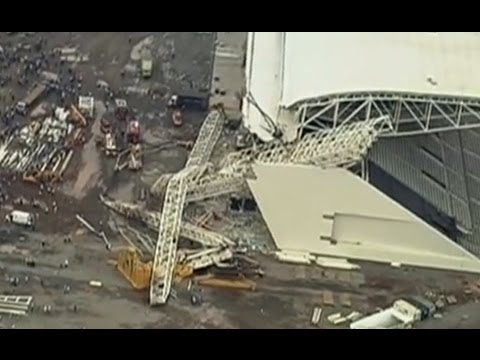 First footage: Crane collapses at World Cup 2014 arena in Sao Paulo killing 3