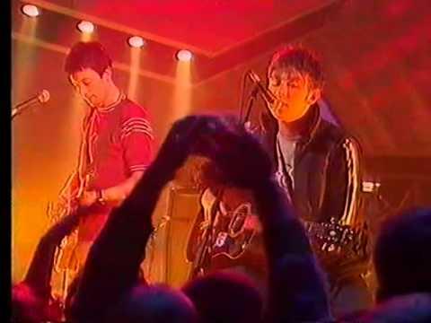 Blur - Beetlebum (T.F.I. Friday 1997)