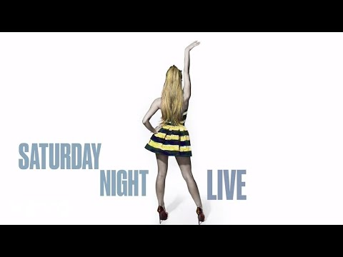 Ariana Grande - Love Me Harder (Live On SNL) ft. The Weeknd