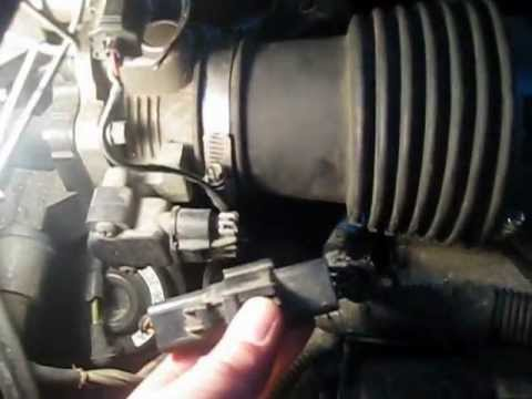 Watch on maf sensor location on 2004 ford expedition