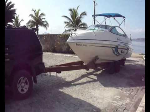 Náutica - Colocando a lancha na água - Dona Zizi - Focker 215