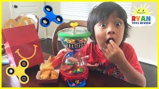 Bad kids Hypnotize Mommy with M&M candy, Fidget Spinners & McDonald