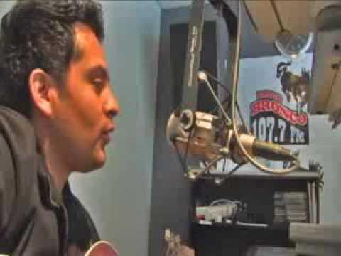 ALEX ALVARADO EN RADIO BRONCO EN SANTA BARBARA CALIFORNIA dic. 09