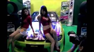 Hot Melody Low - Singaporean Model