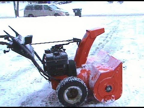 Ariens 1028 Snowblower in Action: PART 1 OF 3: Jan 12th 2011