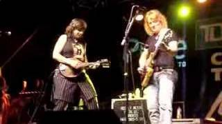 Watch Indigo Girls Ozilline video