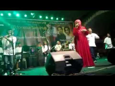 Evie Tamala   Sedingin Salju Live mojokrapak,tembelang,Jombang