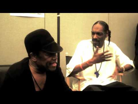 Snoop Dogg Talking With Bobby Womack