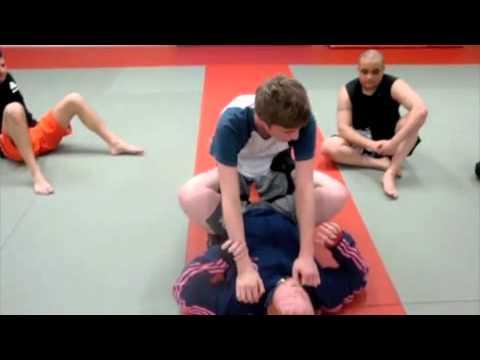 technique de grappling 01-12.mp4 Image 1