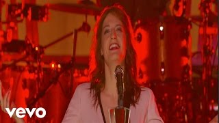 Клип Florence & The Machine - Shake It Out (live)