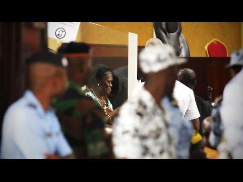 Abidjan : Simone Gbagbo a ridiculisé les avocats envoyé par le gouvernement