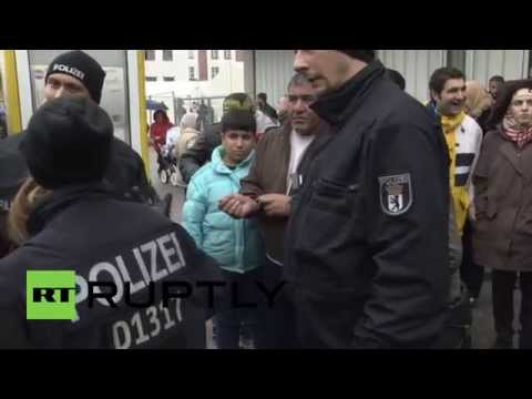 Germany: Overcrowding forces refugees to leave Berlin's largest refugee center
