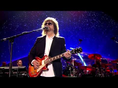 JEFF  LYNNE'S & ELECTRIC  LIGHT ORCHESTRA- Live at Hyde Park 2014 001 All Over The World