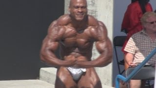 Nate Brock Heavyweight Posing Routine at Muscle Beach 7/4/13