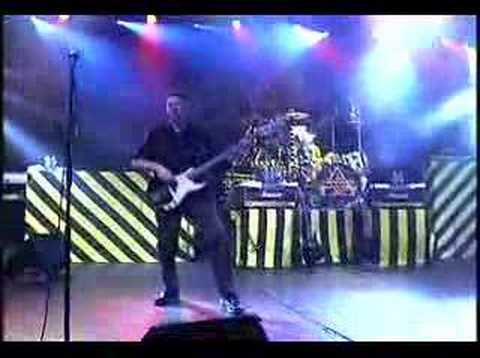 Stryper - Live in Puerto Rico 2004 - 2 Makes Me Wanna Sing