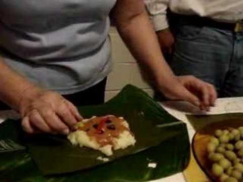 """Proceso de Preparación de TAMALES - """"La cocina de tía Chely"""""""
