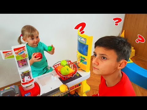 Kids playing Fruit Store - Learn Colors & sizes with Fruits and Toys for Kids Children