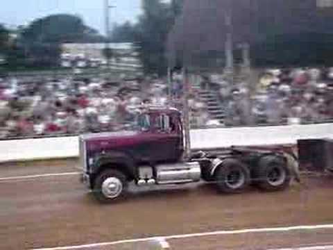 V8 Mack Superliner http://www.blingcheese.com/videos/11/funny+truck+driver.htm