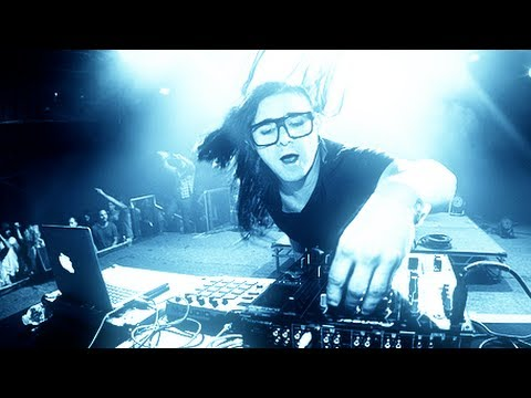 Skrillex most AMAZING live performance - his New 2014 sound in Detroit (Shreds)