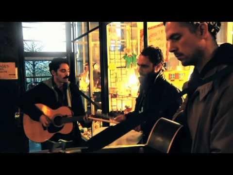 LOCAL NATIVES - Who knows Who Cares - A BlackXS Live Sound Take Away Show