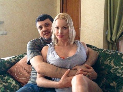 podelilsya-zhenoy-russkoe-video