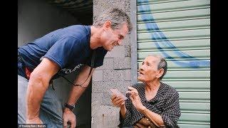 Nghe bà lão 84 tuổi bán vé số nói tiếng Anh cực sõi