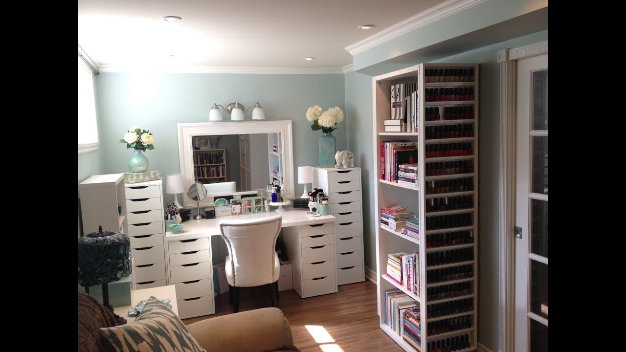 makeup room and makeup collection storage and. Black Bedroom Furniture Sets. Home Design Ideas