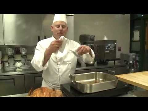 How to Make Gravy From Turkey Drippings | Turkey Tech Tips