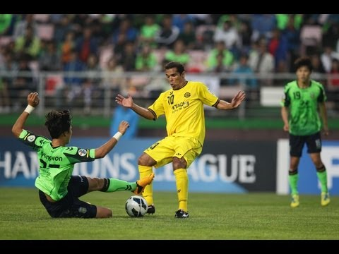 Jeonbuk Hyundai Motors vs Kashiwa Reysol: AFC Champions League 2013 - Round of 16 Leg 1
