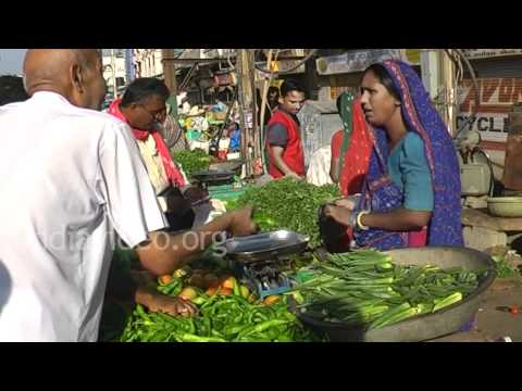 0169 GT11 Bhuj market place MP4 ...