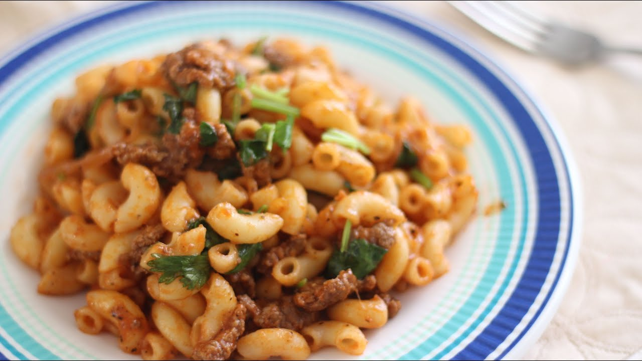 Nui Xao Thit Bo Bam (Stir-Fry Pasta with Ground Beef) - YouTube