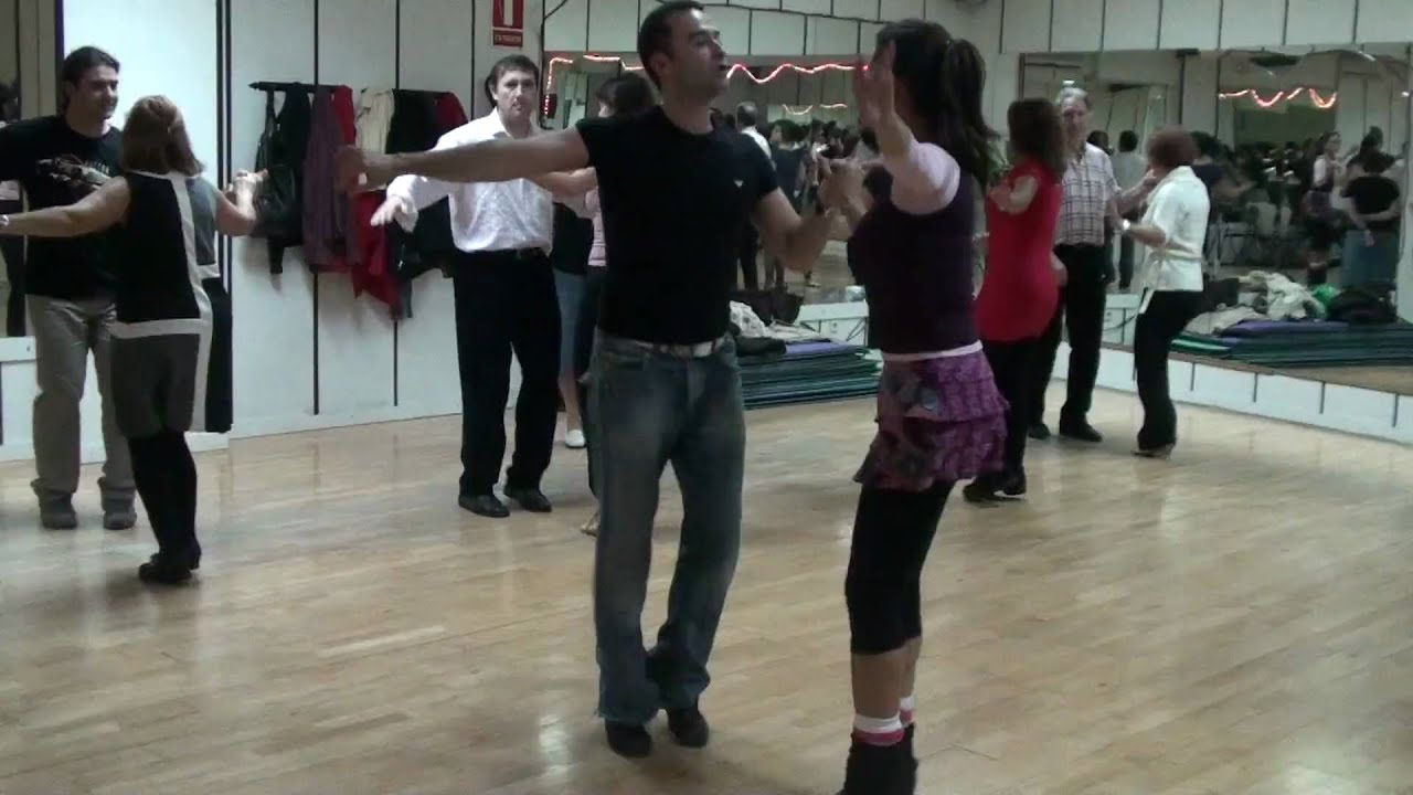 Clases de baile de salon en madrid rock roll 84 youtube for Academias de bailes de salon en madrid