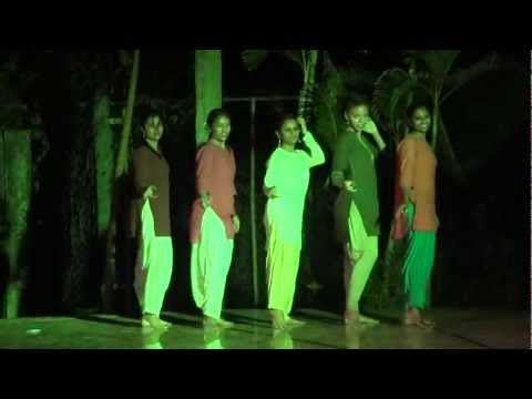 DASHING FUSION DANCE AT MANIPAL-DES RANGILANAAKU MUKKUTAARE...
