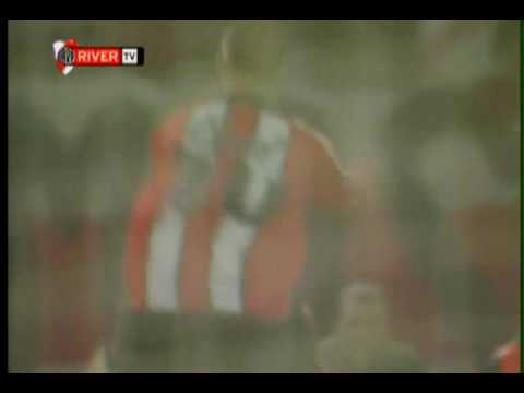 fotos de river plate 2011. River Plate: Golazo de Andrés