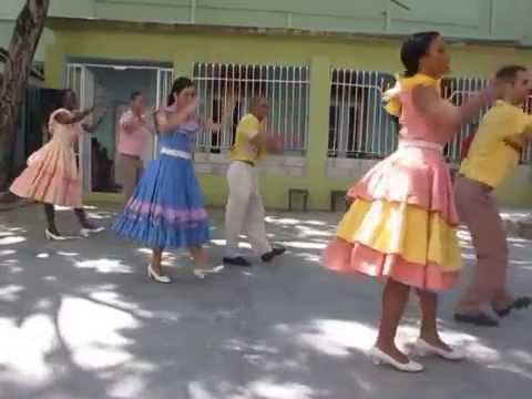 Mozanbique by Conjunto Folklórico Nacional de Cuba in Sabado de la rumba