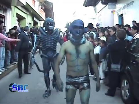 Zacapoaxtla SBC 53 Desfile de Disfraces Bachillerato JIMC 05-11-10.f4v