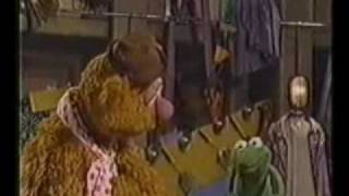 Watch Muppets Time To Live As One video