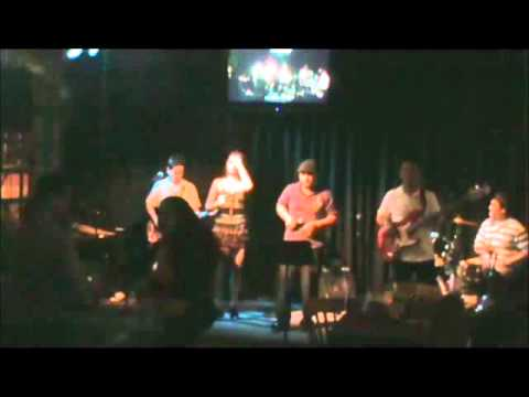 MOOD ICONS BAND: The Doobie Brothers - Long Train Running (Cover)