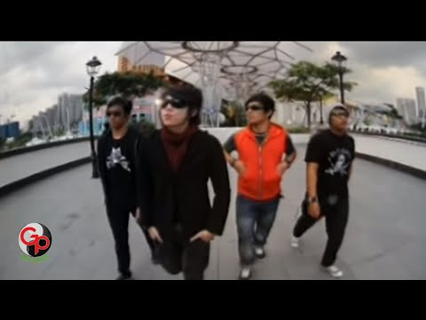Five Minutes Ku Kejar Semakin Kau Jauh Official Music Video