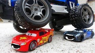 #Машинки Тачки 3 #Маквин Джексон Шторм и Монстр Трак Мультик про Машинки для детей #ГОНКИ