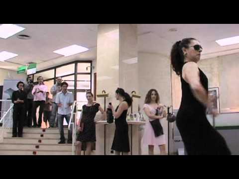Thumbnail of video flo6x8: Bankia, pulmones y branquias (bulerías)