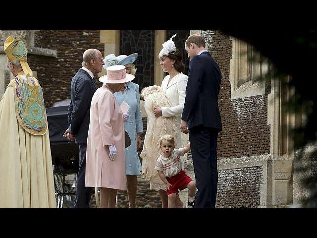 Monarchie britannique : la princesse Charlotte baptisée à Sandringham
