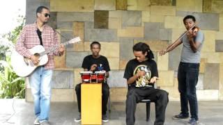 Seifu Yohannes (Le Alem Acoustic Band) - Mech Dershe መች ደርሼ (Amharic)