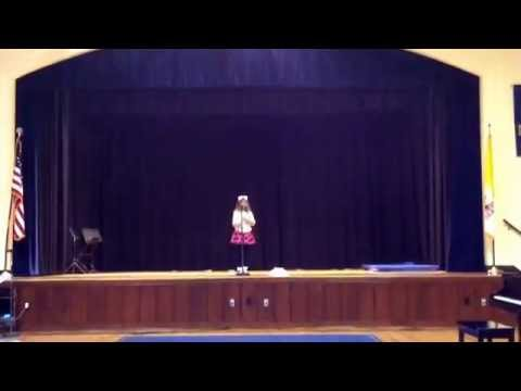 Talent Show. Chinese Song And Dance. Xiao Tuzi Guai Guai. Sonya, 6 Years Old. video